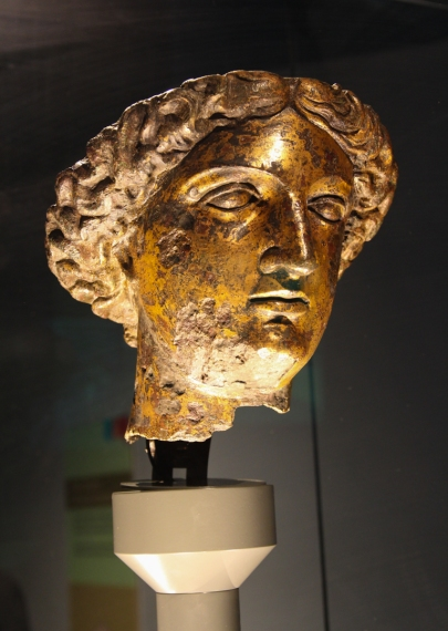 Gilded bronze head of Minerva