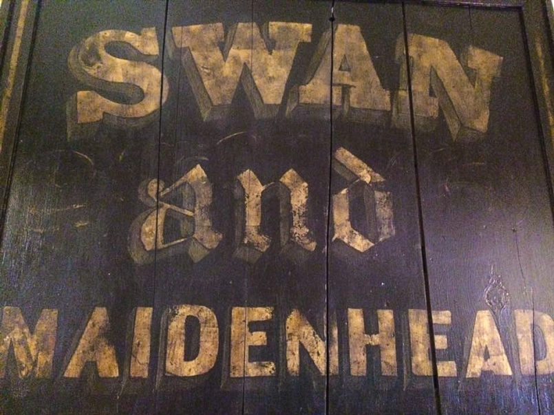 the Swan and Maidenhead Inn sign